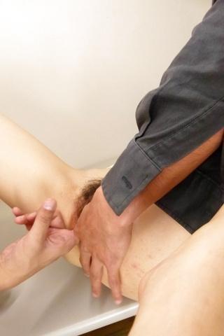 Moe Sakura - 教育部樱花给日本的第一次口交和乱搞两个家伙 - 图片 12
