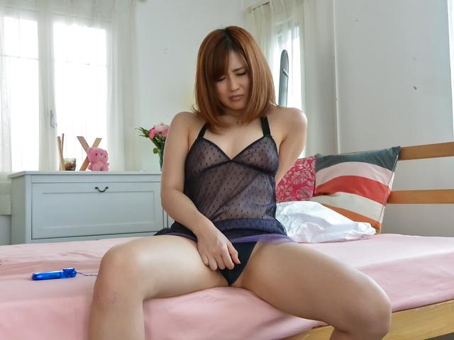 前田由美 - 自宅のベッドで生ハメ撮影 前田由美 - Picture 2