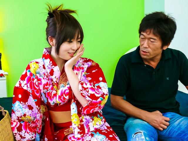 Nozomi Hazuki - Nozomi Hazuki gives japanese blow jobs and is creamed - Picture 2