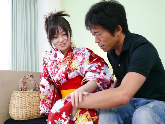 Nozomi Hazuki - Nozomi Hazuki gives japanese blow jobs and is creamed - Picture 3