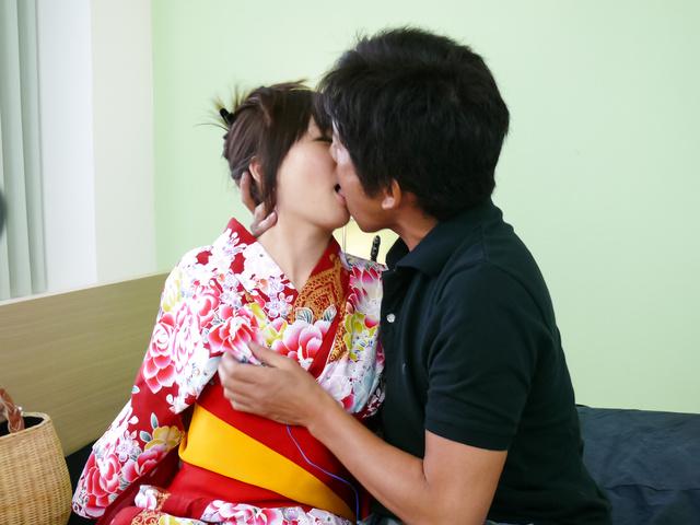 Nozomi Hazuki - Nozomi Hazuki gives japanese blow jobs and is creamed - Picture 4