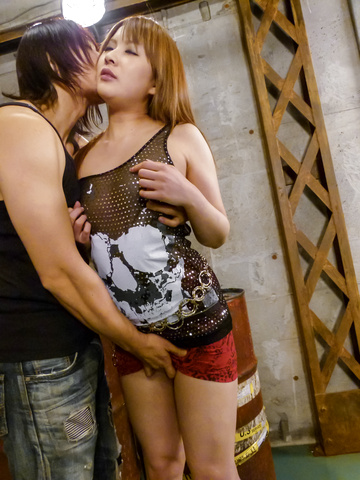 Rinka Aiuchi - Curvy MILF Rinka Aiuchi rides his cock for an asian creampie - Picture 3