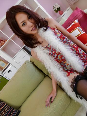 An Yabuki - An Yabuki MILF asian amateur masturbates in stockings - Picture 3