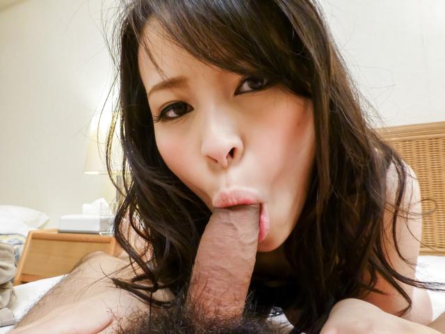 Kyouko Maki - 业余的亚洲在 pov 吹美味的公鸡 - 图片 8