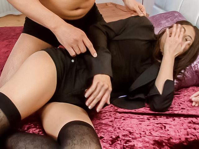 Aoi Miyama - 性感的Aoi 深山享有粗糙亚洲 bukkake - 图片 1
