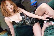 Yuki Touma - Hカップ爆乳を弾かせ豪快フェラプレイ - Picture 2