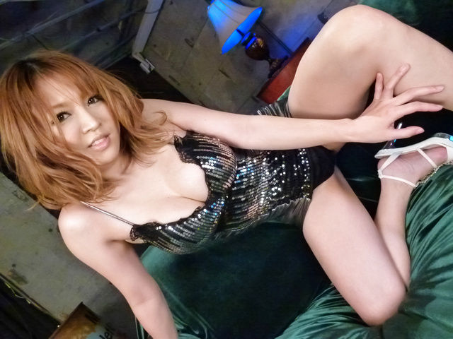Yuki Touma - Watch Yuki Touma's asian blowjob and fucking skills - Picture 1