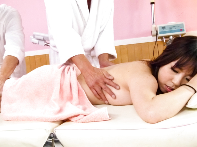 Chinatsu Kurusu - Chinatsu Kurusu gives an asian blowjob and fucks in group sex - Picture 10