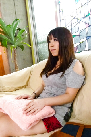 Chinatsu Kurusu - Chinatsu Kurusu gives an asian blowjob and fucks in group sex - Picture 6