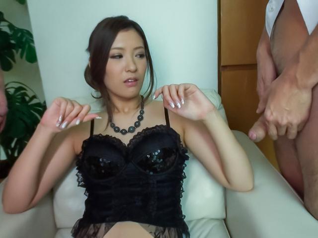 Yui Kasuga - Amazing threesome with cock sucking AsianYui Kasuga - Picture 1