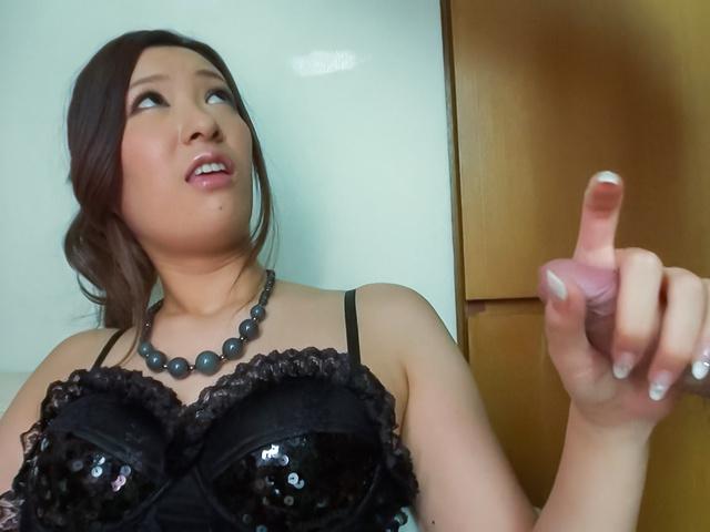 Yui Kasuga - Amazing threesome with cock sucking AsianYui Kasuga - Picture 4