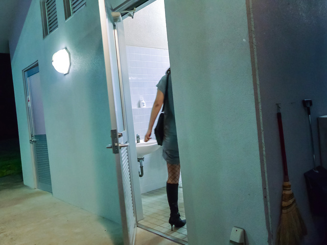 Riho Mikami - Sweet Riho Mikami kneels to provide Japanese blow job  - Picture 3