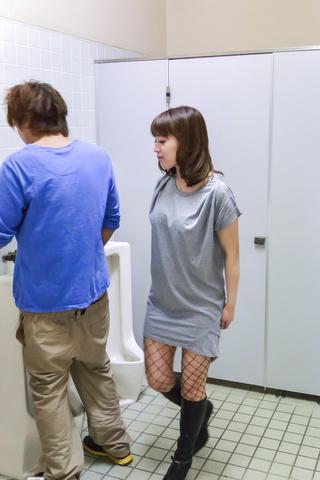 Riho Mikami - Sweet Riho Mikami kneels to provide Japanese blow job  - Picture 7