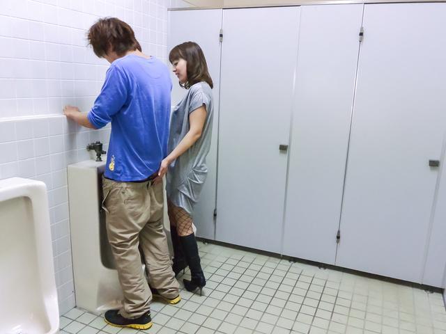 Riho Mikami - Sweet Riho Mikami kneels to provide Japanese blow job  - Picture 8