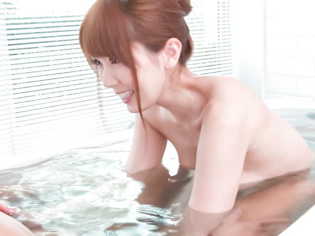 Yui Hatano - 亚洲女孩口交沿淘气衣波多野 - 图片 12