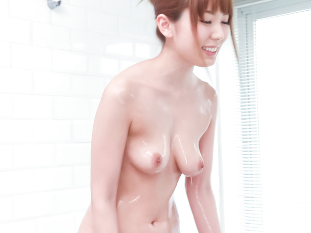 Yui Hatano - 亚洲女孩口交沿淘气衣波多野 - 图片 5
