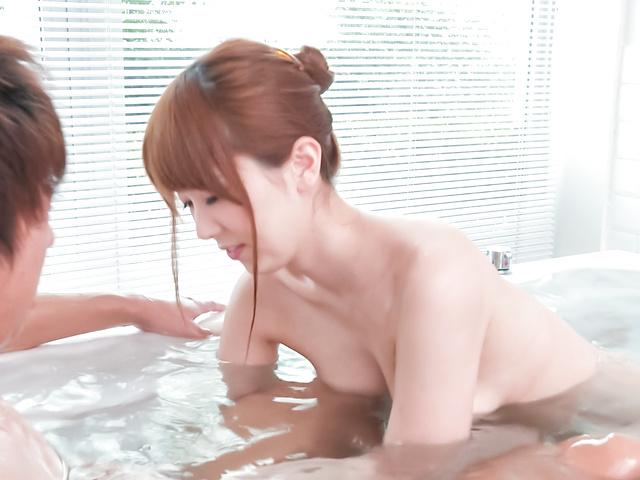 Yui Hatano - 亚洲女孩口交沿淘气衣波多野 - 图片 9