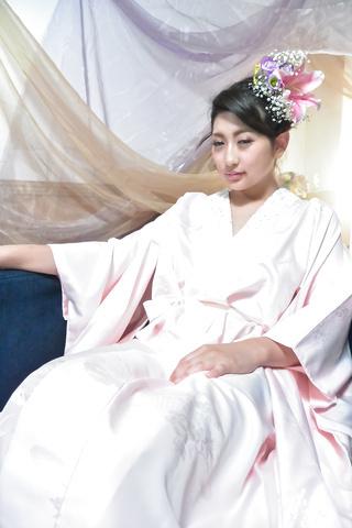 Yuna Shiratori - 日本自慰显示由尤娜白鸟 - 图片 1