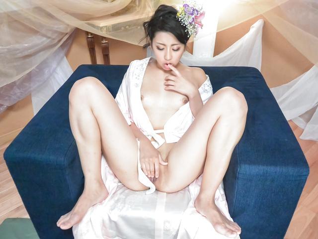 Yuna Shiratori - 日本自慰显示由尤娜白鸟 - 图片 9