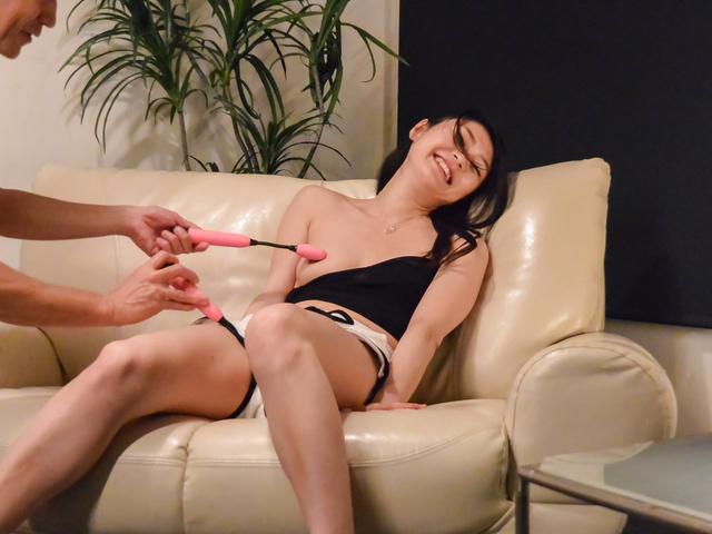 Kyoko Nakajima - 小山雀恭子中岛提供天使口交在凸轮 - 图片 7
