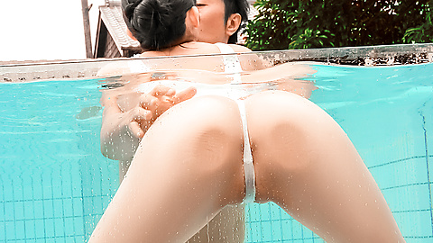 Japanese creampie outdoor adventure with Yui Kasugano