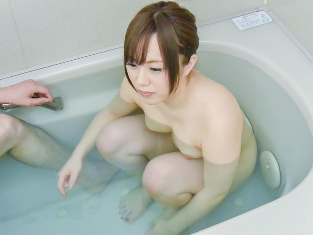 櫻木梨乃 - バスルーム強制発射! 櫻木梨乃 - Picture 1