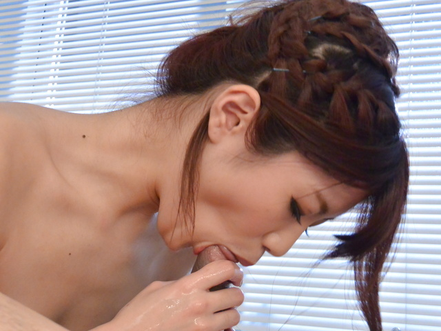 Maya Kawamura - 裸体美女取悦伴侣软色情玩弄 - 图片 7