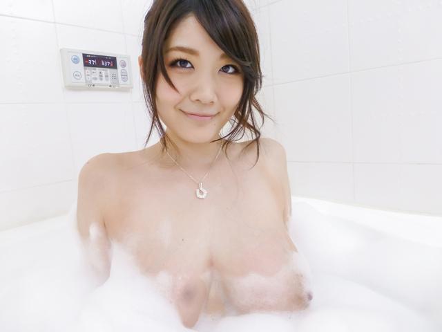 Rie Tachikawa - Rie Tachikawa takes a bath in amateur asian sex videos - Picture 9