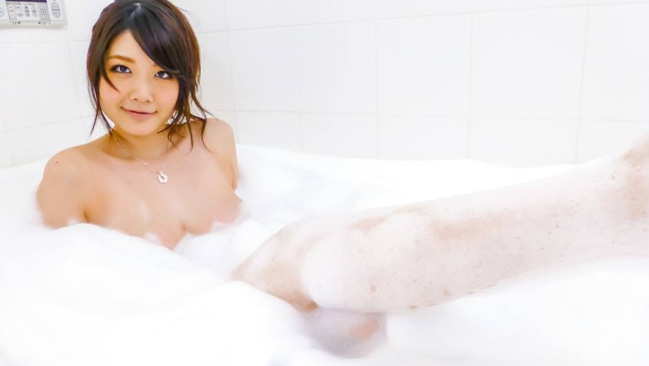 Phim Sex Rie Tachikawa takes a bath in amateur asian sex videos