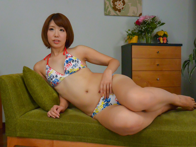 Seira Matsuoka - Slim Seira Matsuoka provides great asian blowjob - Picture 4