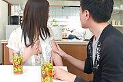 Sanae Akino - 兄貴に隠れてフェラ ~ 秋野早苗 - Picture 12