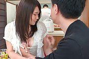 Sanae Akino - 兄貴に隠れてフェラ ~ 秋野早苗 - Picture 6
