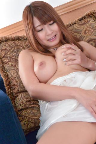 Hitomi Kitagawa - Busty Hitomi Kitagawa enjoys tasty dick on cam - Picture 2