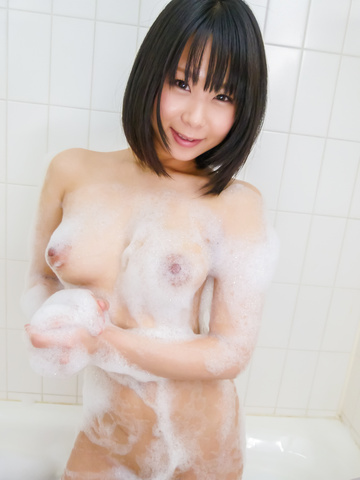 Mikan Kururugi - Asian amateur plays with her pussy in the shower  - Picture 4