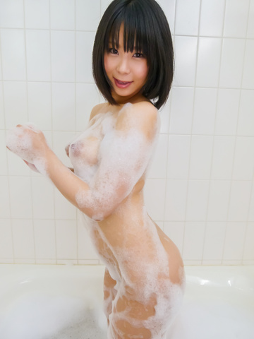 Mikan Kururugi - Asian amateur plays with her pussy in the shower  - Picture 7