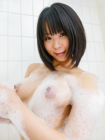 Mikan Kururugi - Asian amateur plays with her pussy in the shower  - Picture 8