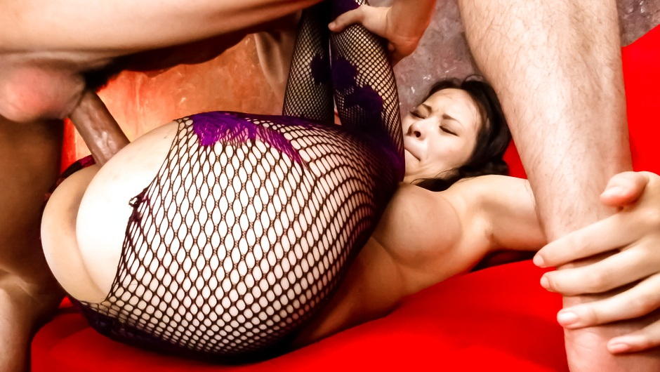 Phim Sex Kyouko Maki with an asian blow job and a pussy for guys to fuck