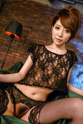 Makoto Yuukia - Amateur Asian babe,Makoto Yuukia, loves her pussy - Picture 3