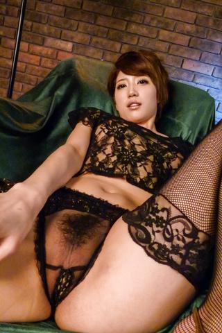Makoto Yuukia - Amateur Asian babe,Makoto Yuukia, loves her pussy - Picture 5