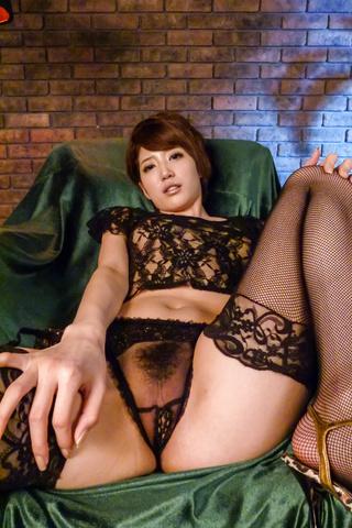 Makoto Yuukia - Amateur Asian babe,Makoto Yuukia, loves her pussy - Picture 6
