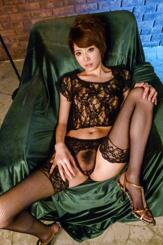 Makoto Yuukia - Amateur Asian babe,Makoto Yuukia, loves her pussy - Picture 8
