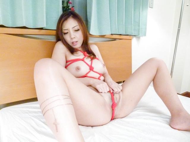 水沢真樹 - 亀甲縛りでご奉仕フェラ~水沢真樹 - Picture 10