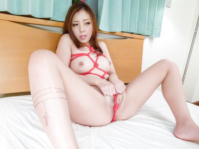 水沢真樹 - 亀甲縛りでご奉仕フェラ~水沢真樹 - Picture 12