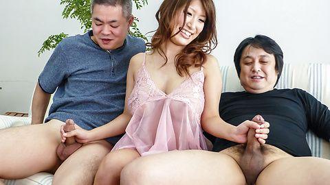 セクシー熟女パイずりご奉仕~美月優芽