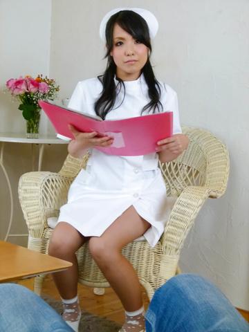 Miho Tsujii - Horny nurse Miho Tsujii gives an asian pov blowjob - Picture 1