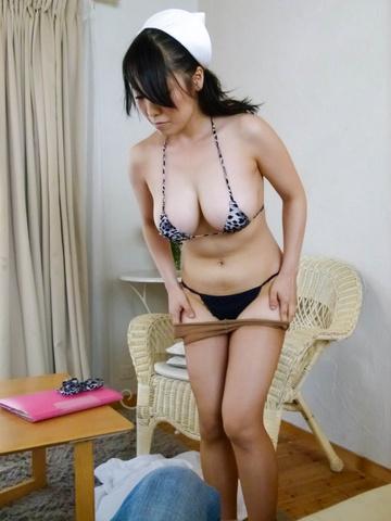 Miho Tsujii - Horny nurse Miho Tsujii gives an asian pov blowjob - Picture 8