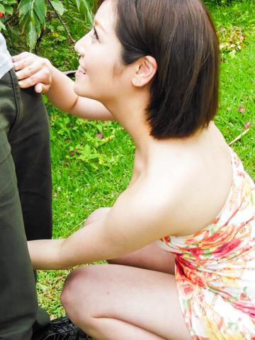 浅之美波 - 野外でごっくんフェラ 浅之美波 - Picture 8