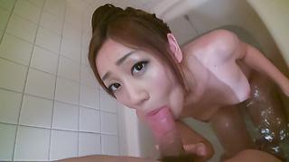 バスルームでザーメン強制発射!