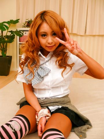 Yuno Shirasu - Yuno Shirasu naughty Asian teen gets shaved pussy licked - Picture 1