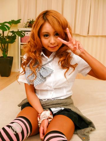 Yuno Shirasu - Yuno Shirasu naughty Asian teen gets shaved pussy licked - Picture 2